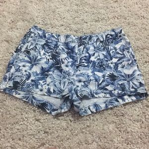 Hawaiian blue pattern shorts